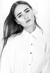 Alissa Fox (19)